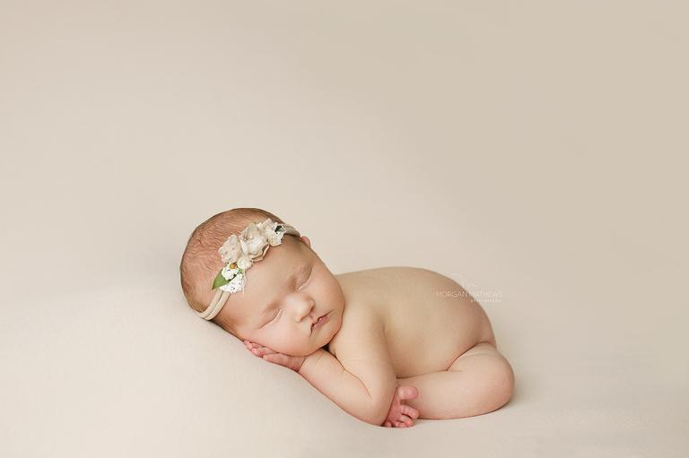 Neutral newborn photographer in Reno Nevada