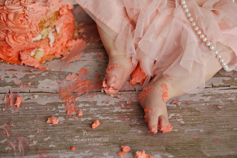 child photographer Reno nv cake on feet